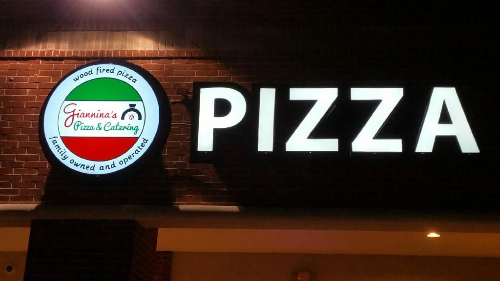 Restaurant Gianninas Pizza - Cypress TX - Lighted Sign